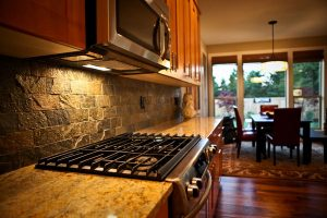 kitchen-stone-backsplash