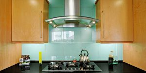 kitchen-glass-backsplash